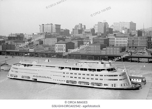 Modern Riverboat, Saint Louis, Missouri, USA, John Vachon for Office of War Information, May 1940