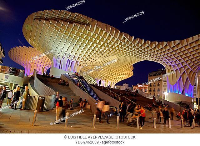 Tourists enjoying Metropol Parasol building, Seville, Spain