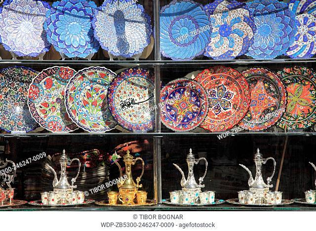 United Arab Emirates, Dubai, Bur Dubai, Souq, handicraft shop