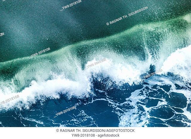 Waves, Iceland