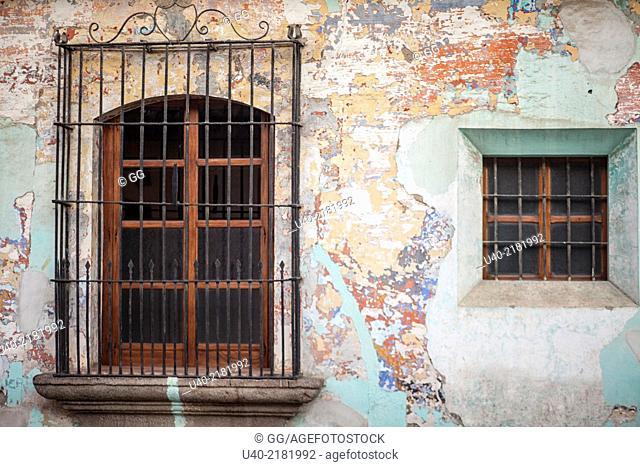 Guatemala, Antigua, colonial building