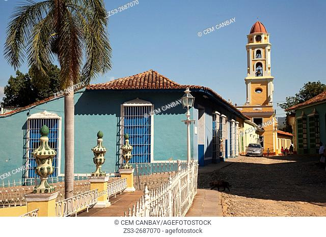 View to the Museo Nacional de la Lucha Contra Bandidos-National Museum of the Fight Against Bandits and colonial houses in Plaza Mayor, Trinidad