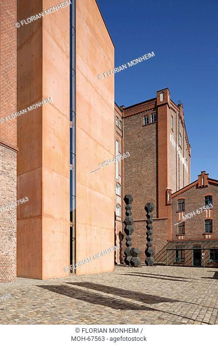 Blick auf die Südseite, Eingangsseite Museum Küppersmühle