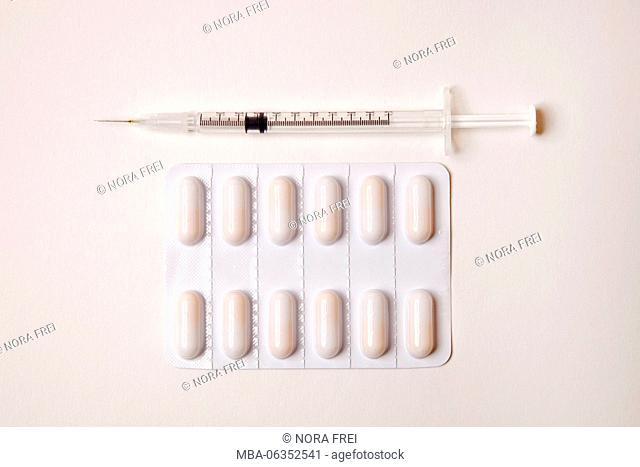 Syringe, medicine, health, tablets