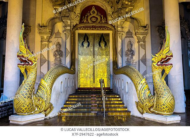 Main door of Wat Chedi Luang temple, Chiang Mai, Thailand