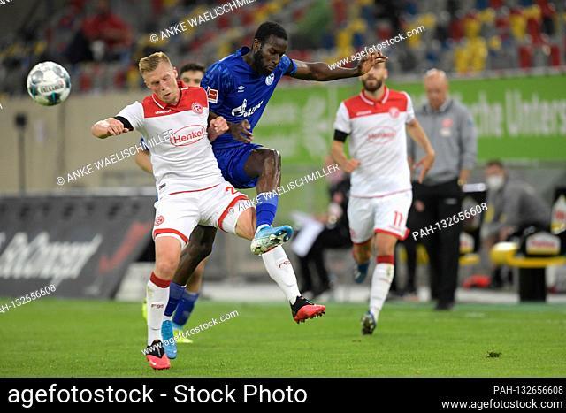 firo, football: 27.05.2020 1.Bundesliga, season 19/20 2019/2020 Fortuna Dusseldorf - FC Schalke Rouwen HENNINGS (Fortuna Dusseldorf), action