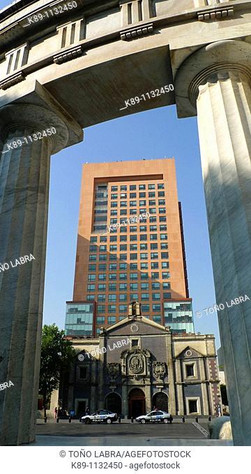Secretaría de Relaciones Exteriores. Plaza Juárez. Ciudad México