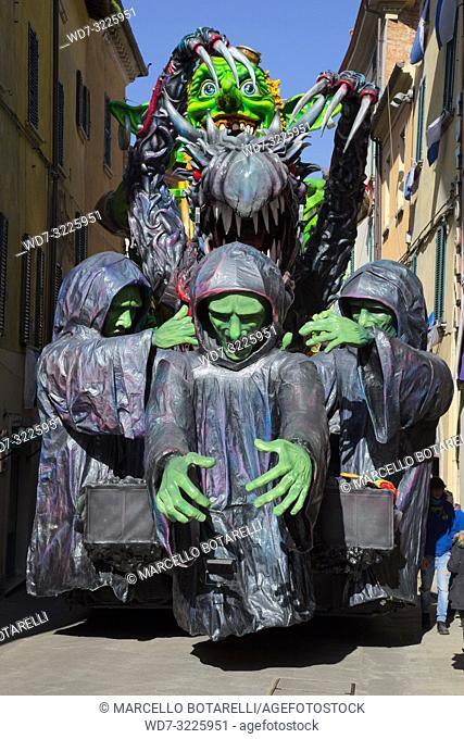 Foiano della chiana carnival parade, arezzo, tuscany, italy