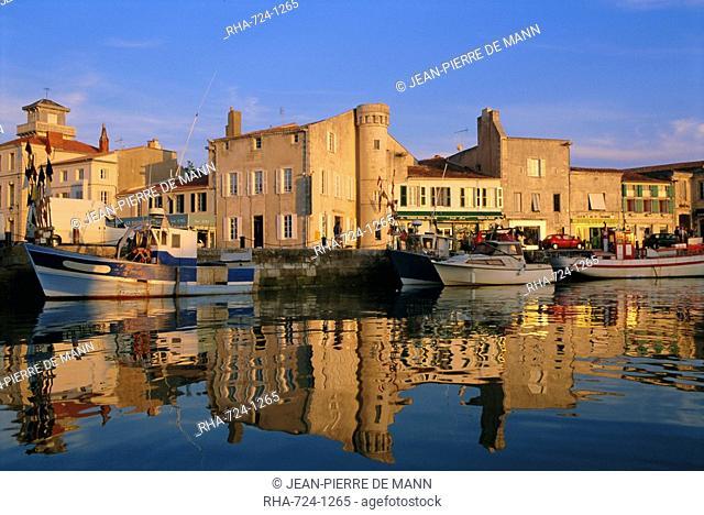 Waterfront, Quai Bernonville Bernonville Quay, Commune de Saint Martin St. Martin, Ile de Re, Charente Maritime, France, Europe