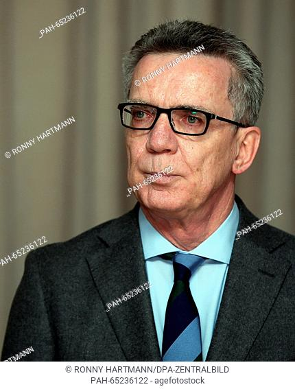 Thomas de Maizière (l, CDU), Federal Minister of the Interior, at the conference of the Ministers of the Interior of CDU/CSU in Wolmirstedt, Germany