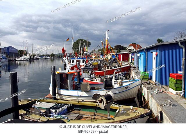 Fishing vessels, fishing boats and yachts in Niendorf harbour, Baltic Sea seaside resort of Timmendorfer Strand Niendorf district, Schleswig-Holstein