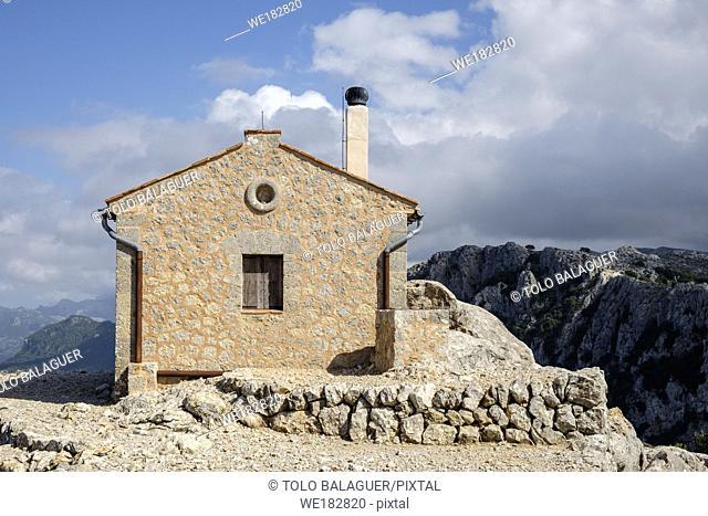 refugio de es Puig de Sa Talaia Vella, 868 metros, municipio de Valldemossa, Mallorca, balearic islands, Spain
