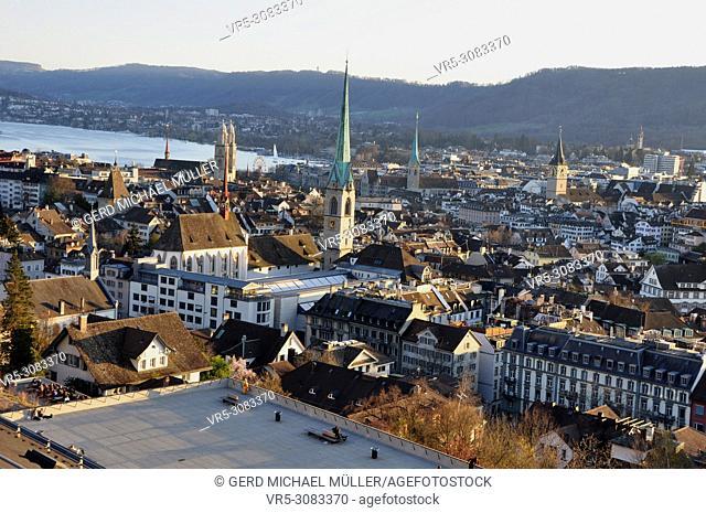 Panorama der Altstadt von Zürich , panoramic view of the old town of Zürich-City
