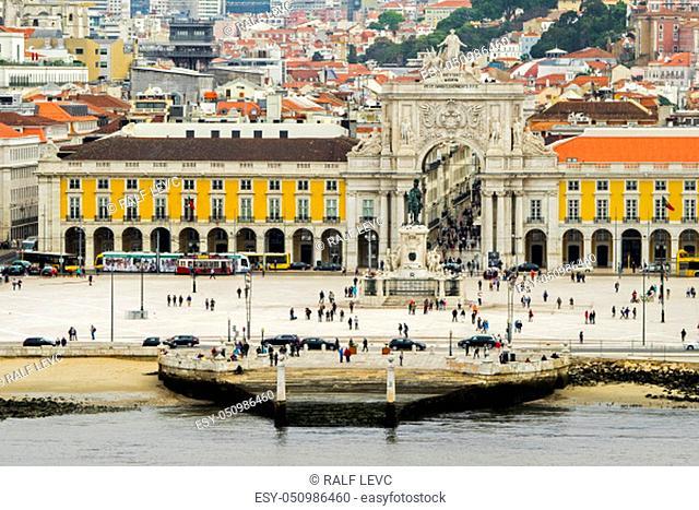 Portugal - City of Lisbon, Arc de Triomphe at the Praça de Dom Pedro IV