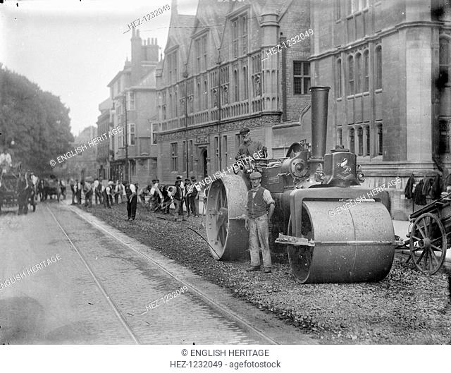 Workmen with a steam roller carry out roadworks in High Street, Oxford, Oxfordshire, c1860-c1922