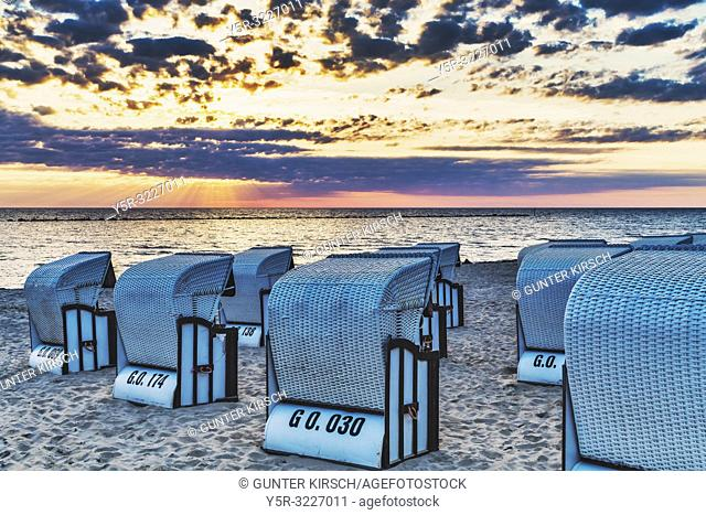 Beach chairs at the Baltic Sea beach, Baltic resort Sellin, Ruegen Island, County Vorpommern-Ruegen, Mecklenburg-Western Pomerania, Germany, Europe