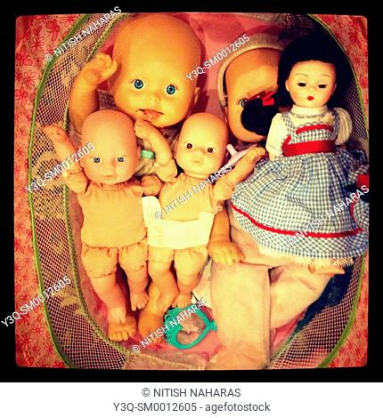 Her play babies