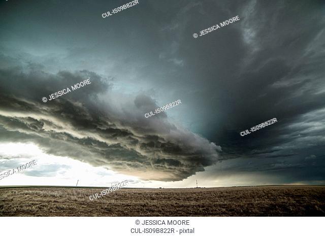 Tornado warned supercell in the eastern Colorado Plains, Yuma, Colorado, USA