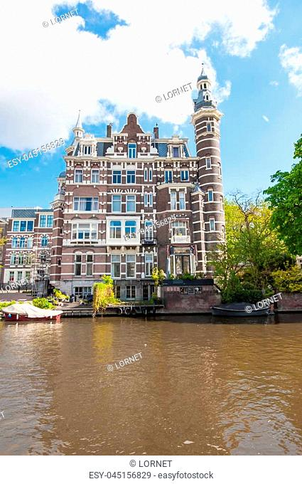 Amsterdam-April 30: Cosy house on the Singelgrachtkering Canal on April 30,2015, the Netherlands