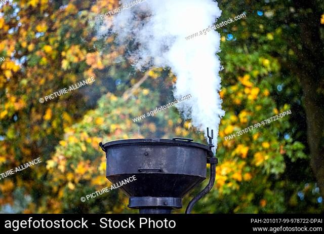17 October 2020, Mecklenburg-Western Pomerania, Klütz: Steam rises from the chimney of the 102-year-old brigade locomotive
