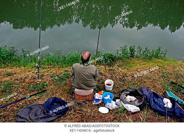 fisher, river Llobregat, Balsareny, Catalonia, Spain