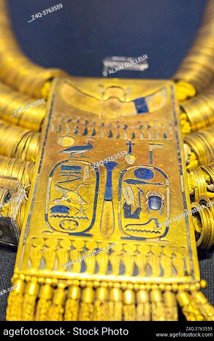 Egypt, Cairo, Egyptian Museum, jewellery found in the royal necropolis of Tanis, burial of the king Psusennes I : Shebiu collar, with cartouches of the king