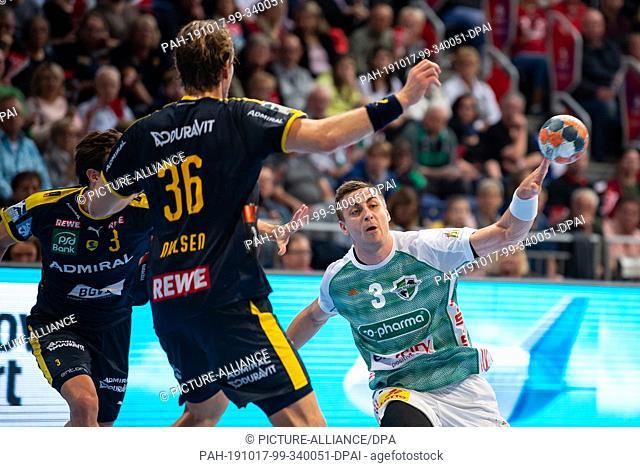 17 October 2019, Lower Saxony, Hanover: Handball: Bundesliga, TSV Hannover-Burgdorf - Rhein-Neckar Löwen, 10th matchday in the TUI-Arena