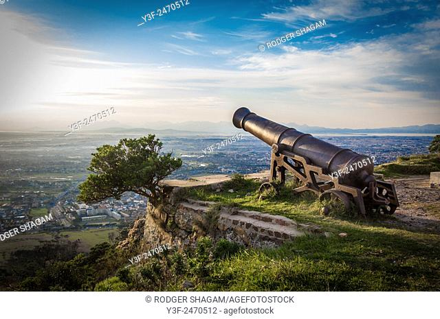 Old, historical canons at the King's Battery, Devil's Peak, Cape Town, Outh frica