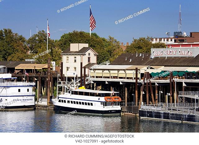 Old Town & Sacramento River, Sacramento, California, USA