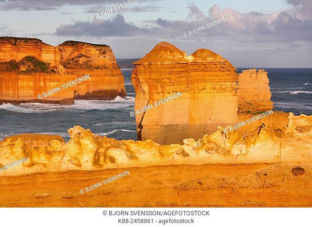 Coastal cliffs and sea stacks along the Great Ocean Road. Port Campbell National Park, Victoria, Australia