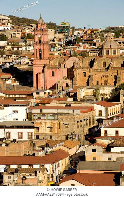 city of Tlalpujahua with church and brightly colored buildings, located in the Mexican state of Michoacán
