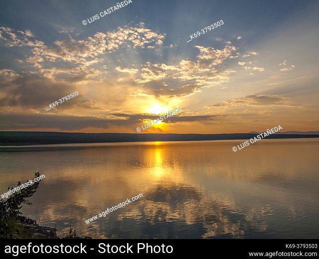 Sunrise. Yellowstone Lake. Wyoming. USA