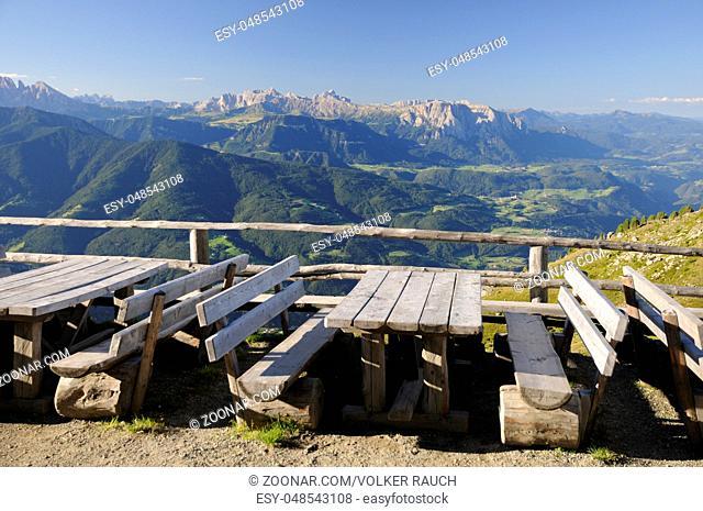 Dolomiten, geisler, marmolada, l rosengarten, schlern, , Sarntaler Alpen, Sarntaler, tisch, tische, bank, bänke, berghütte, gasthaus, jausenstation, Alpen, berg
