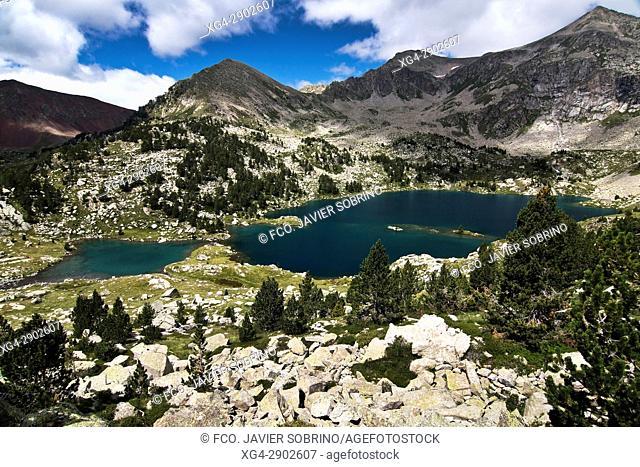 Lagos de Gémena. Provincia de Lleida. Cataluña. Pirineos. España. Europa