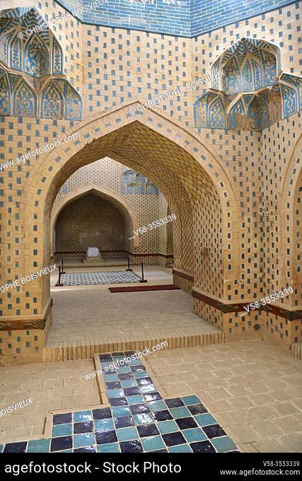 Uzbekistan, Autonomous republic of Karakalpakstan. Nukus region, Nazlimkhan Sulu mausoleum (12th-14th C)