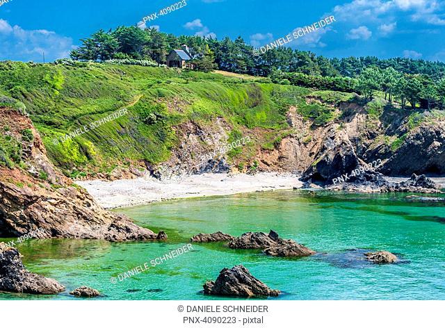 France, Brittany, Crozon Peninsula, Telgruc sur Mer, coastal path GR34 between l'Ile de l'Aber and Trez-Bellec beach