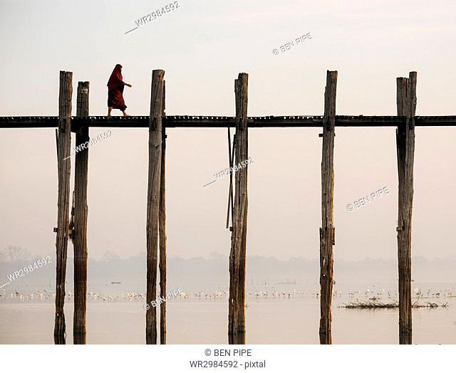 View of U-Bein Bridge at dawn, Amarapura, Mandalay, Mandalay Region, Myanmar (Burma), Asia