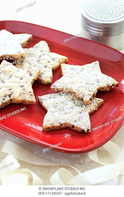Pecan Toffee Shortbread Star Cookies