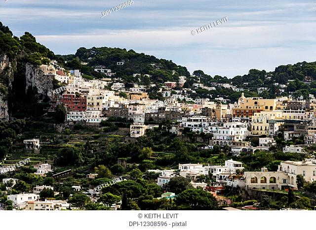 A port city with colourful buildings on the island of Capri; Marina Grande, Capri, Italy
