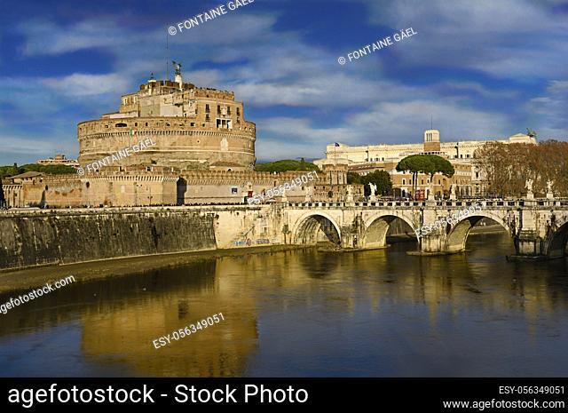 Castle Saint Ange and the bridge Saint Ange, Roma, Italia