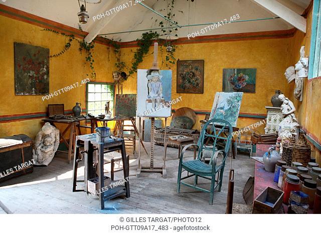 tourism, France, upper normandy, eure, vallee de la seine, valley, giverny, former hotel baudy, restaurant, hostel, claude monet, garden, flowers