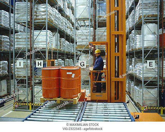 CHEMICAL WAREHOUSE WITH FINISHED PRODUCTS. MANNED INDUSTRIAL TRUCKS FOR WAREHOUSE OPERATIONS. - 01/01/2010