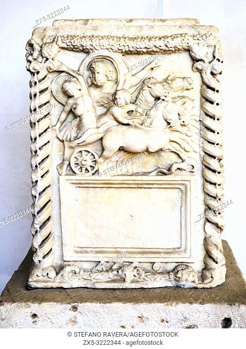 Cinerary altar with a tabula without inscription representing the rape of Proserpina. White marble 2nd Century AD (Antonine Age)- National Roman Museum - The...