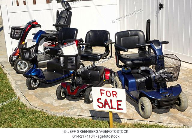 Florida, Sarasota, Pine Craft, Amish, Mennonite, community, winter retreat, traditional, conservative, clothing, religious, electric wheelchairs, carts, sale