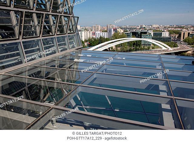 France, Lyon, Quays of the Saône River, Musée des Confluences, architect : Agence Coop Himmelb(l)au, Pont Raymond Barre Photo Gilles Targat