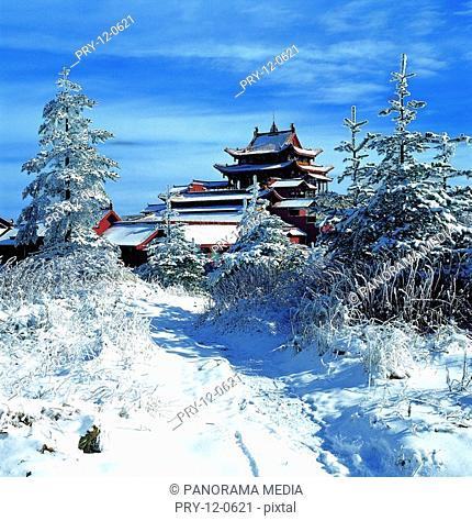 the snow-covered Huazang Temple,Emei Mount in Sichuan Province,China