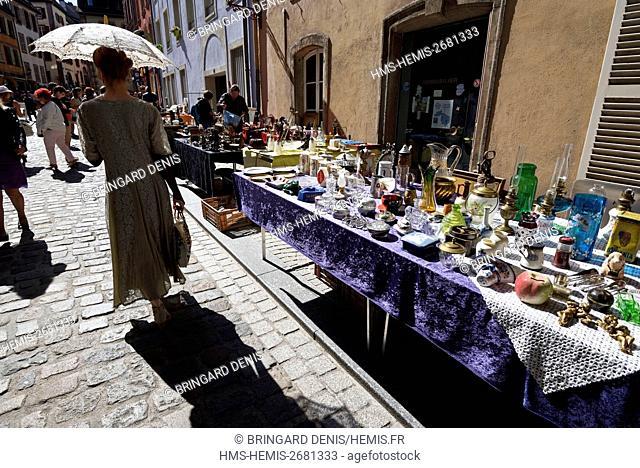 France, Territoire de Belfort, Belfort, Place d Armes, flea market