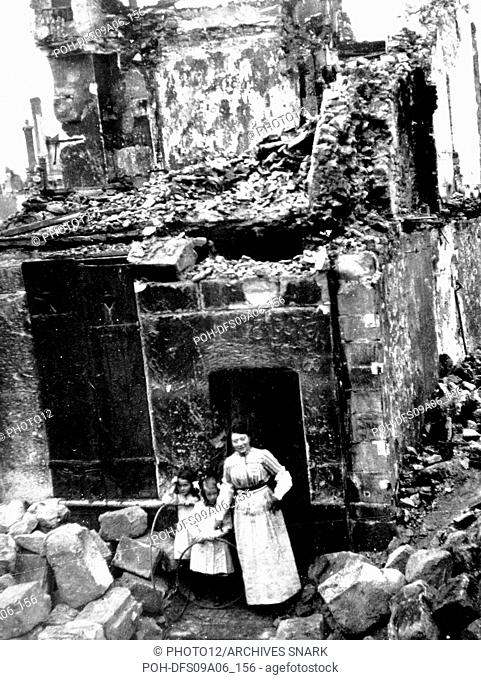 Bombed house in the quartier de la Licorne in the French city of Senlis End of 1914 France - World War I B.D.I.C