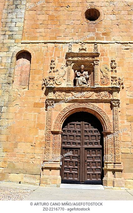 South Gateway, XVIth century, co-cathedral of San Pedro, XII-XVIIth centiuries. Soria, Spain