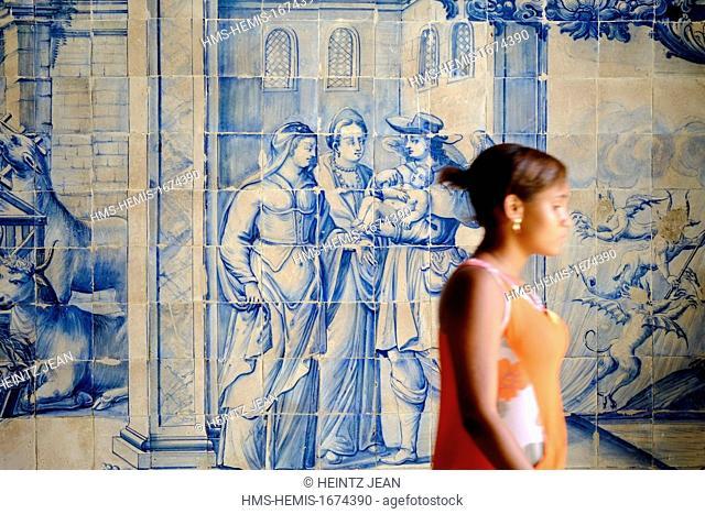 Brazil, Bahia state, Salvador de Bahia, listed as UNESCO World heritage, pedestrian and tîle painting